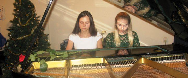Музыкальный салон «Серебряная лира»